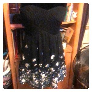 Kimchi Blue black fitted body bodice, floral dress